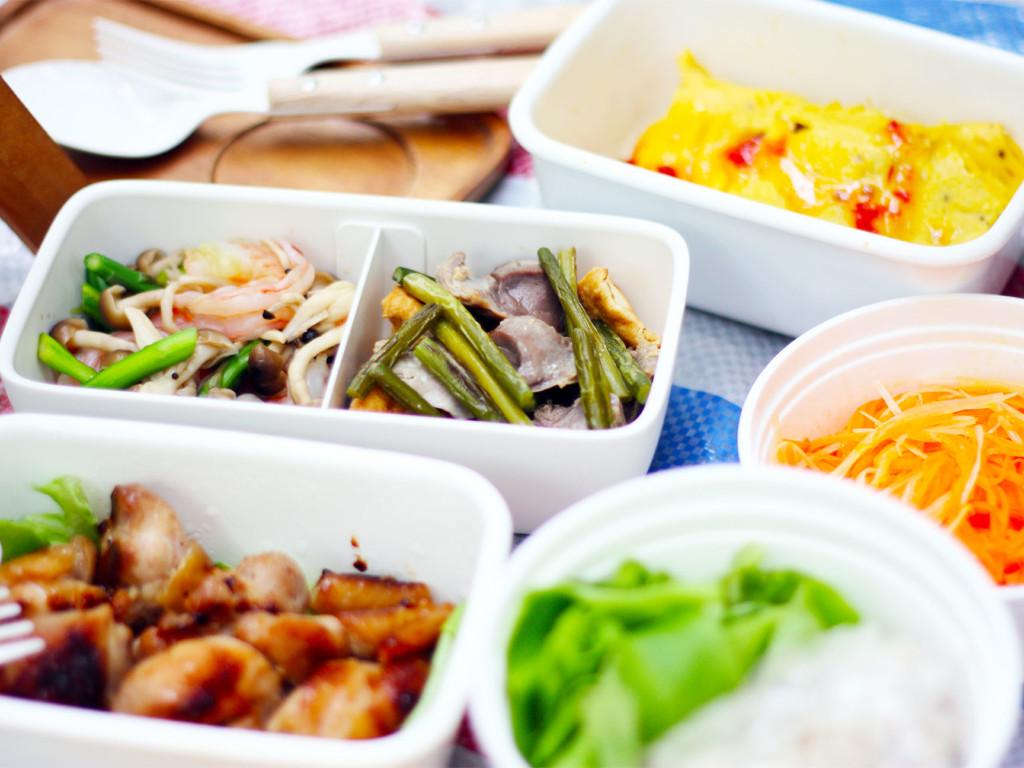 ベトナム料理のピクニックランチボックス集合イメージ