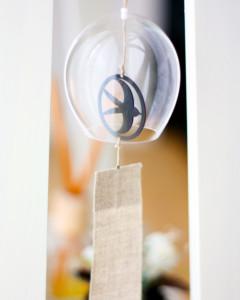 モダンなツバメモチーフの風鈴