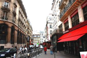 ある二月のパリの街並み