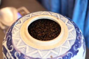 古い台湾茶の茶葉