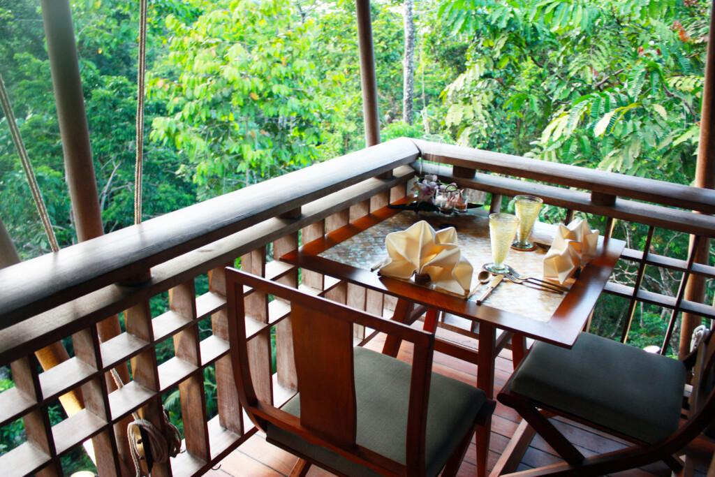 ランカウイのリゾートホテル、ザ・ダタイのタイ料理レストラン席