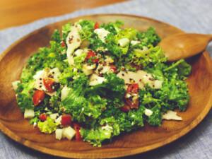 ケールとキヌアのサラダ