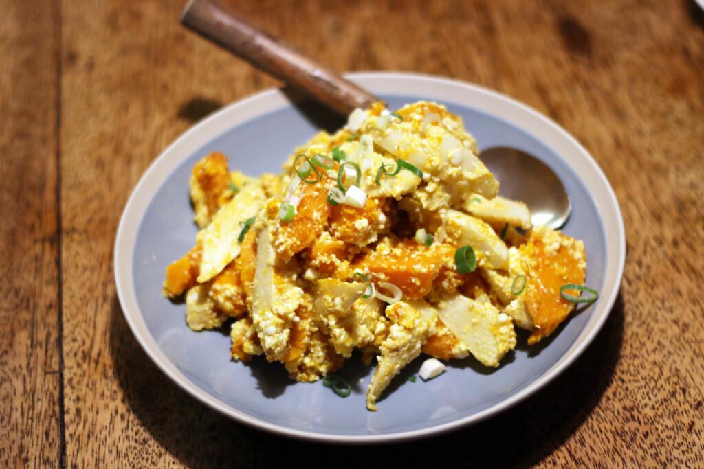 台湾のカボチャとタケノコ、鹹蛋(シェンダン)のサラダ