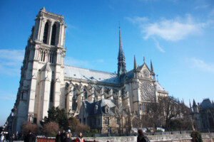 世界遺産ノートルダム大聖堂の外観