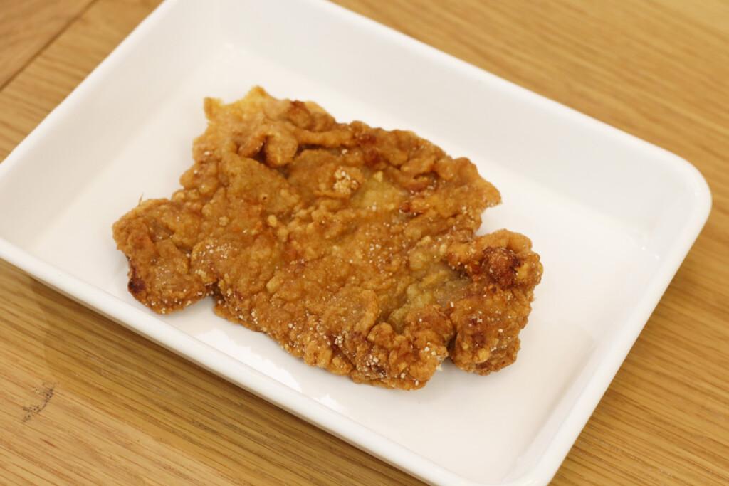お皿にのった台湾風とんかつ 排骨(パイグー)